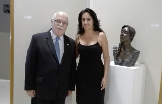 Esculturas de Marcia Del Nero são expostas no CRCSP
