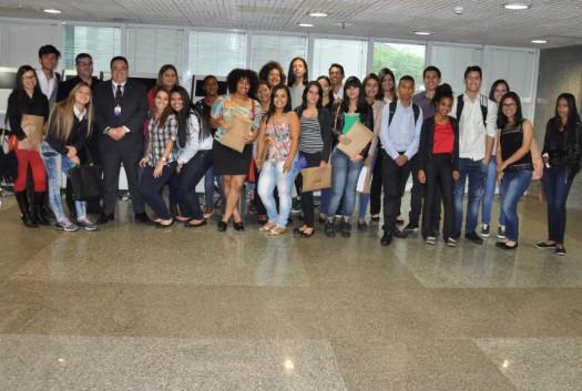 Estudantes do Senac visitam a sede do Conselho