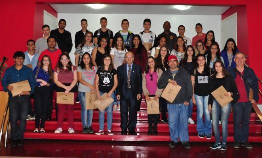 Visita ao CRCSP agrega conhecimento sobre a profissão a estudantes