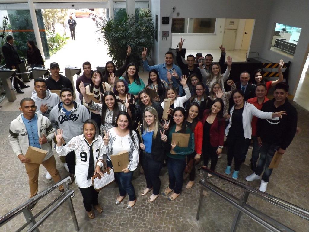 Alunos de Faculdade de Rosana visitam a sede do CRCSP