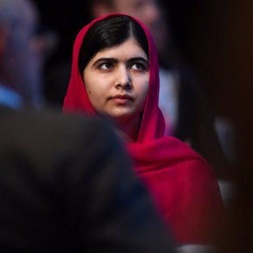 Símbolo de resistência pela educação, Malala se forma em Oxford