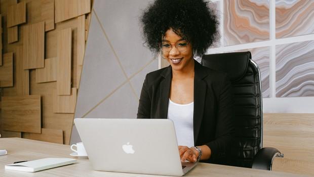 As melhores empresas para as mulheres trabalharem no Brasil em 2020