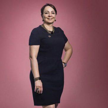 Ela começou a trabalhar aos 16 e hoje é presidente da Microsoft no Brasil